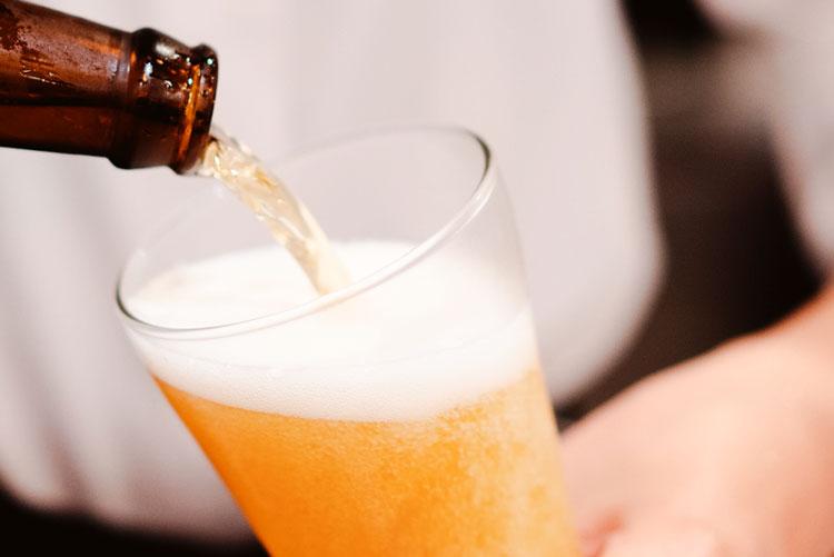 servir-cerveza