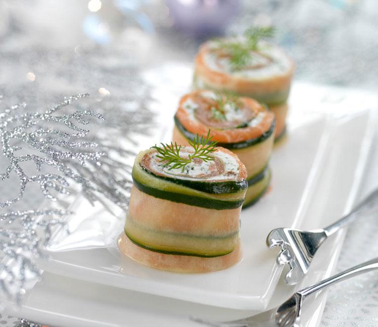 Rollitos de salmón ahumado y calabacín con mantequilla de salmón