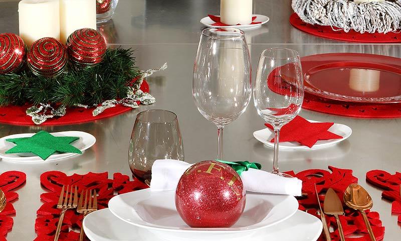 'El arte de decorar la mesa' por Fiona Ferrer: blanco, rojo y verde, los protagonistas de la Navidad