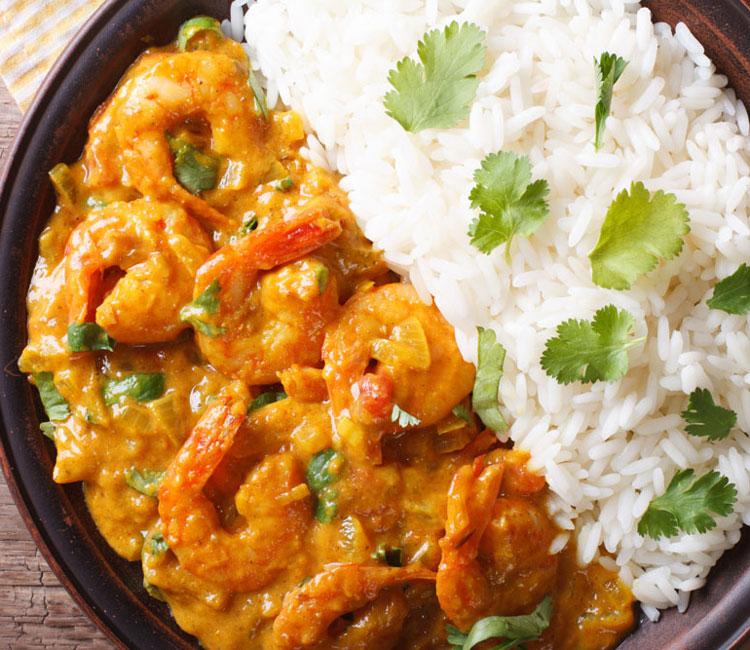 Gambas al curry con arroz