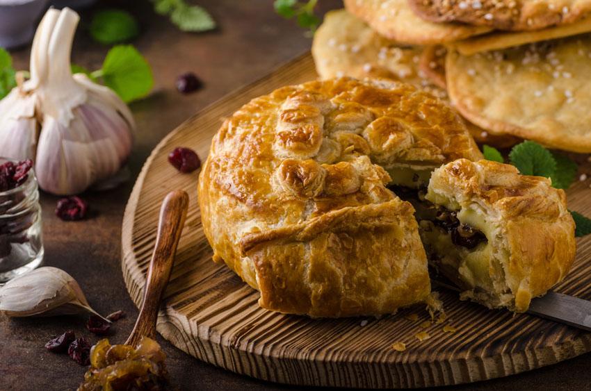 recetas-hojaldre-navidad-pastel-queso-frutos-rojos