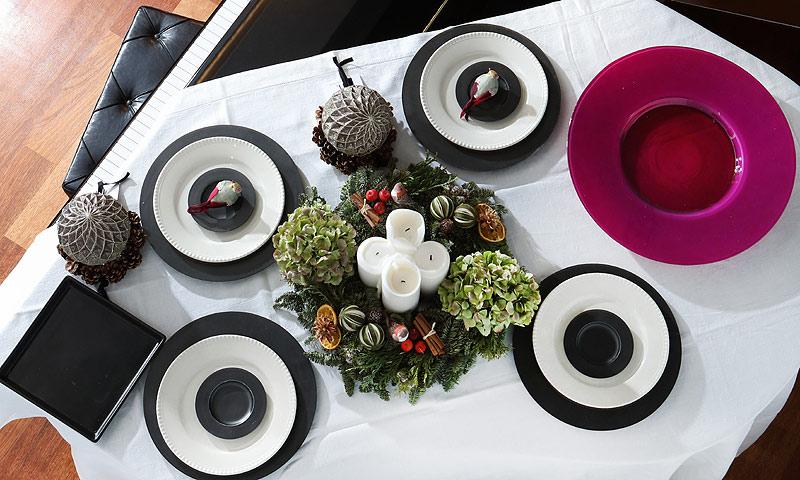 'El arte de decorar la mesa' por Fiona Ferrer: una comida solidaria sobre el piano