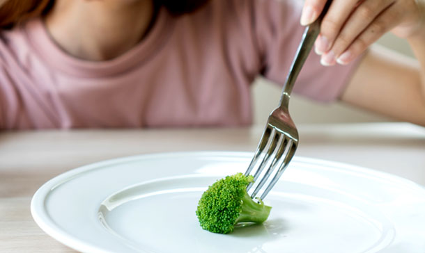 ¿Por qué es una pésima idea hacer una dieta muy estricta después de Navidad?
