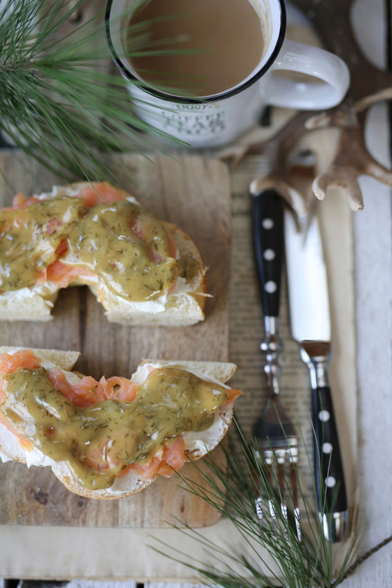 bagel-queso-crema-mostaza-salmon