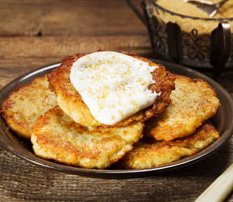 Tortitas de patata con azúcar moreno y sour cream