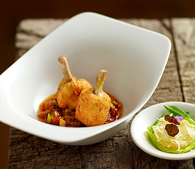 chupa-chups-de-pollo-rellenos-con-salsa-thai