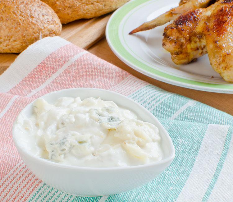 salsa-de-queso-azul-para-alitas-de-pollo-buffalo-wings