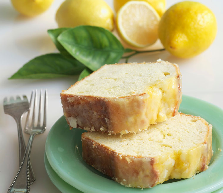 Bizcocho pound cake de limón con su glaseado