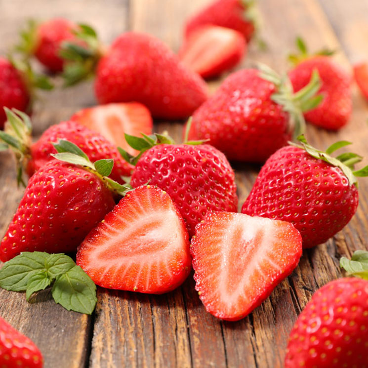 Toma fresas desde el desayuno hasta la cena
