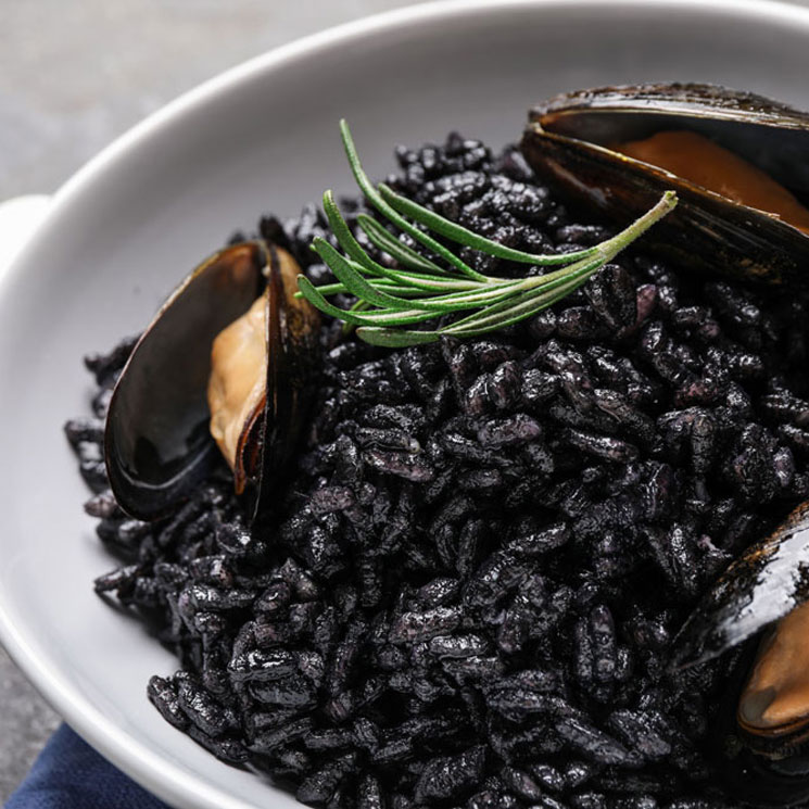 Apostamos al negro, descubre estas recetas con tinta de calamar