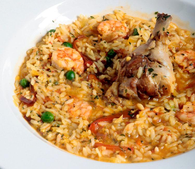 arroz-caldoso-con-gambas-y-pollo