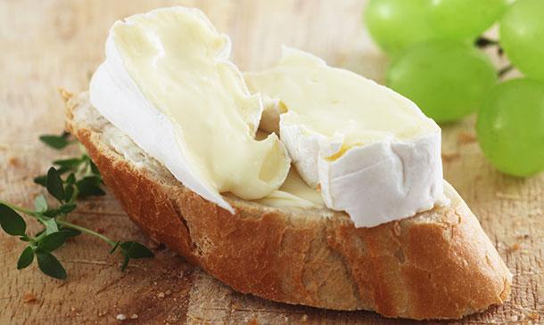Aperitivos fáciles con queso para chuparse los dedos