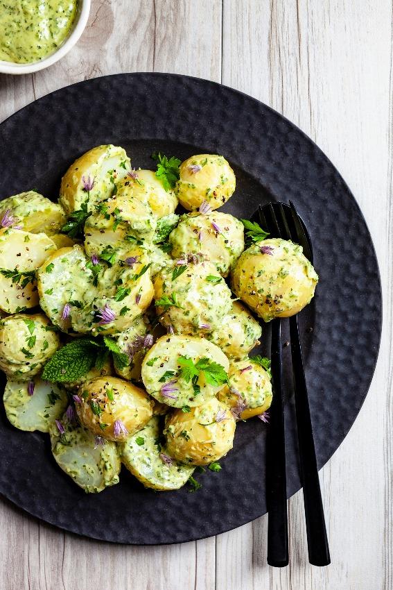 ensalada-guarnicion-patatas
