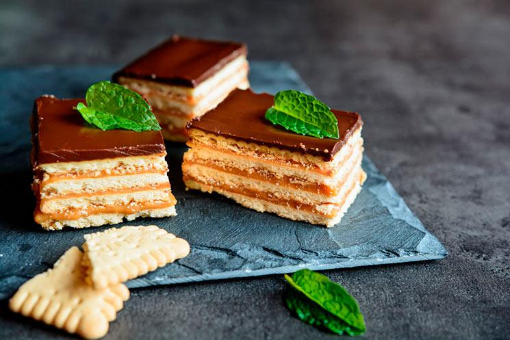 Tarta de galletas con chocolate y toffee
