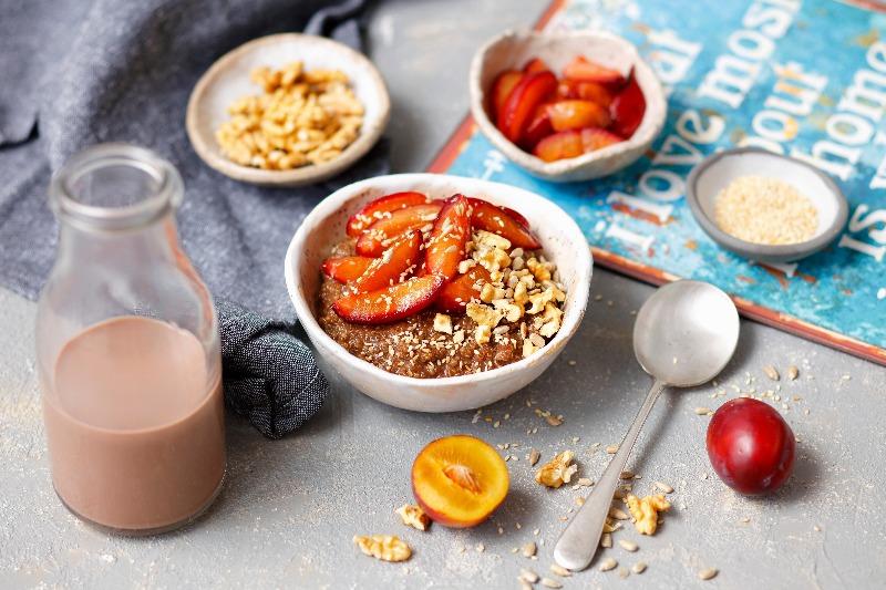 porridge-chocolate-quinoa-ciruelas