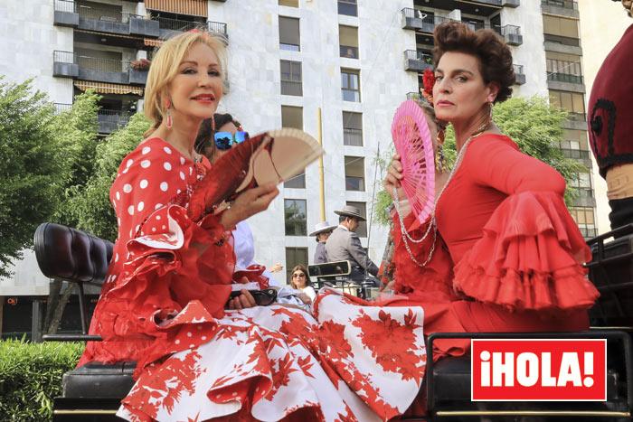 Carmen Lomana y Antonia Dell'Atte en la Feria