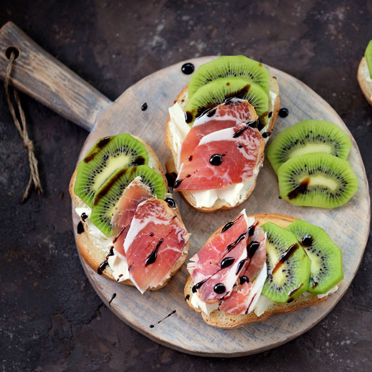 tostada-kiwi-adobe