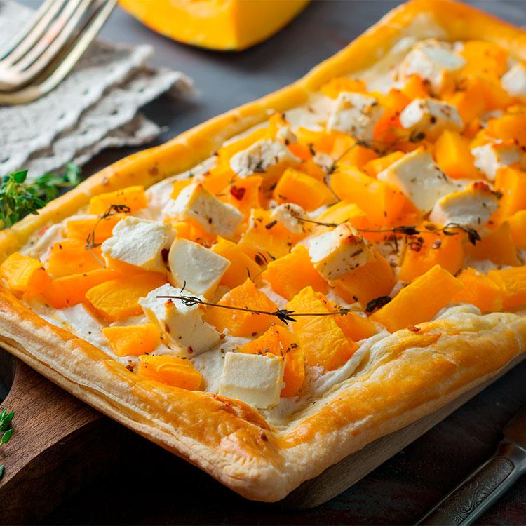 Tarta salada de calabaza, queso feta y ricota