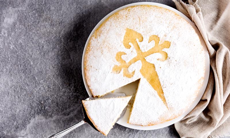 Si te gustan los postres con almendra… ¡morirás por esta Tarta de Santiago!