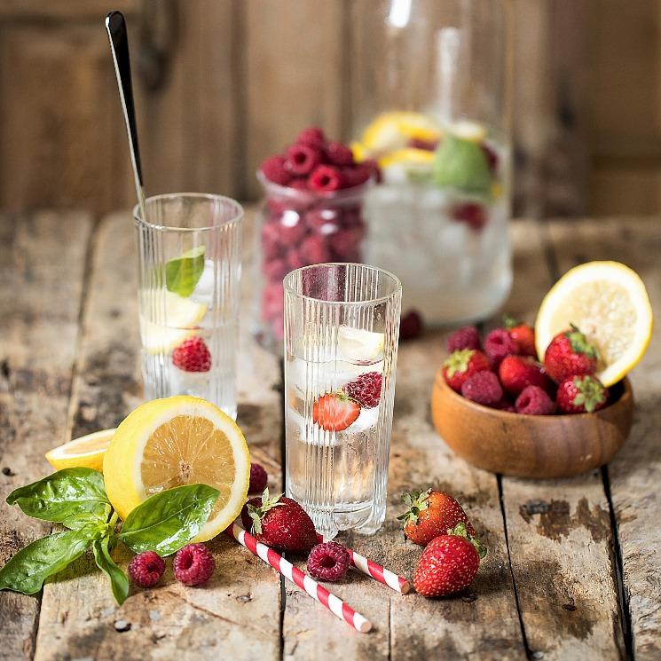 Agua con frutas: así es la limonada 'healthy' del verano