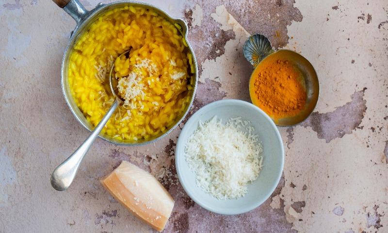Cúrcuma: el ingrediente estrella para incorporar a tu dieta, desde el desayuno hasta la cena