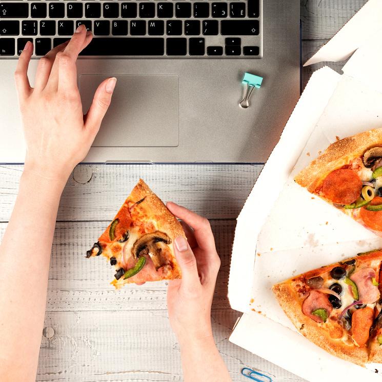 ¿Teletrabajo = aumento de peso? Con estos 'tips' y recetas será más fácil evitarlo