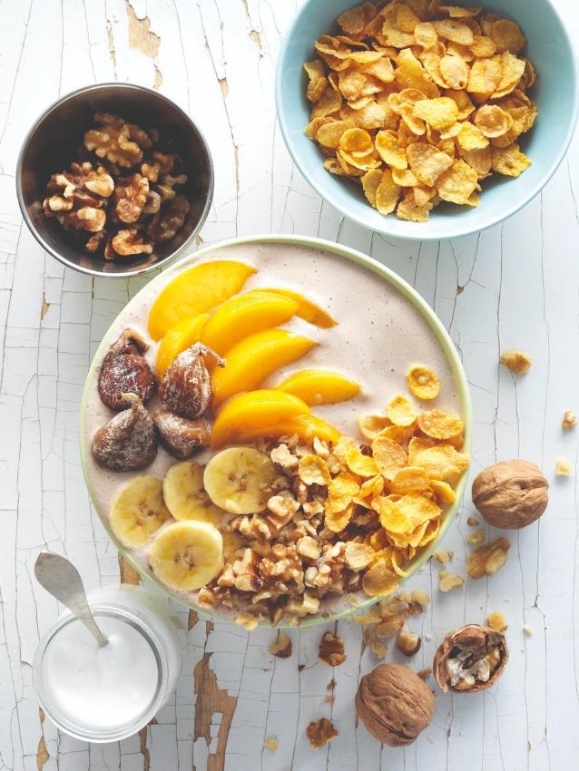 smoothie-bowl-nueces-cereales-mediterraneo