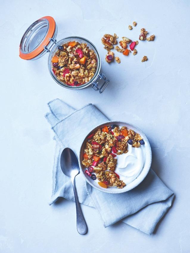 granola-nueces-frutos-rojos