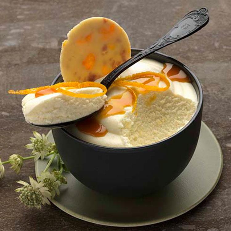 Mousse fácil de naranja y chocolate blanco