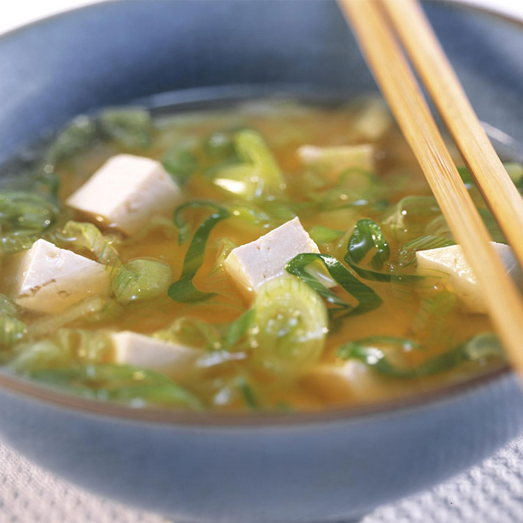 Sopa de miso y cebolleta china