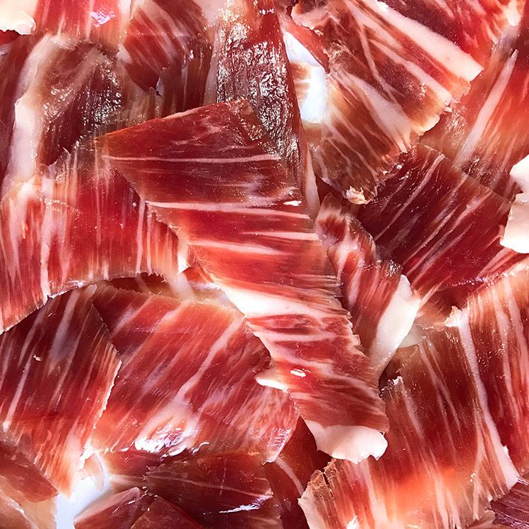 Cómo elegir, cortar y emplatar un jamón ibérico