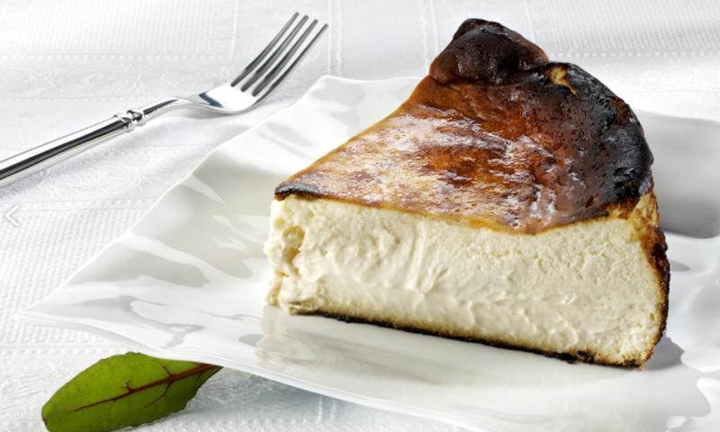 Cómo hacer, paso a paso, la mítica tarta de queso de 'La Viña'