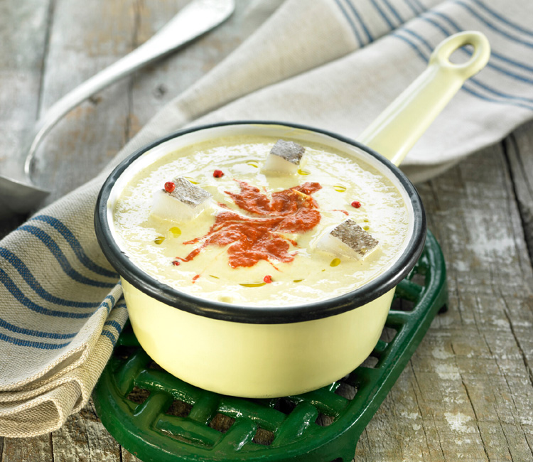 Sopa de calsots con bacalao