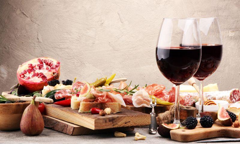 Beneficios de cenar pronto, en casa y en los restaurantes, ¿te apuntas?
