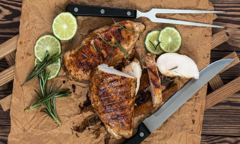 Cinco pechugas de pollo para cinco recetas rápidas y saludables