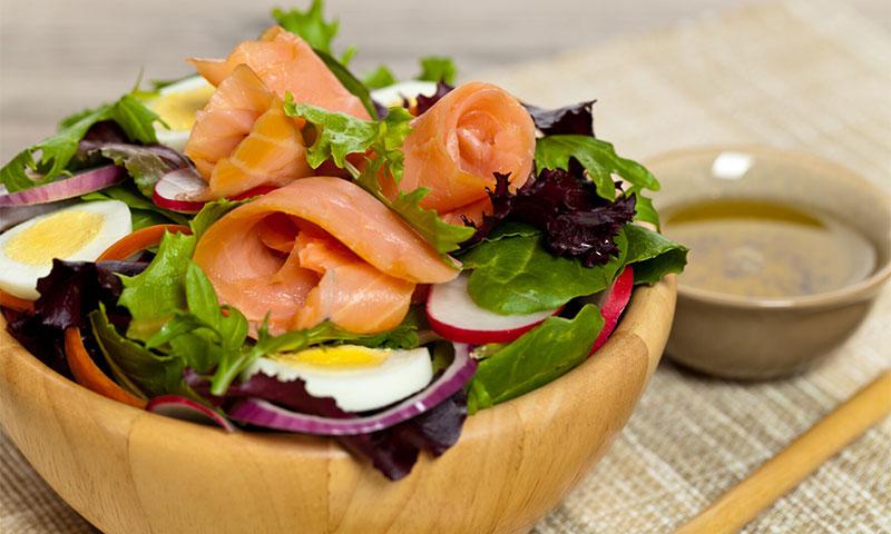 ¿Salmón, trucha o bacalao? Elige cualquiera de estos ahumados para tus ensaladas