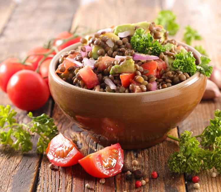 Paso a paso:Ensalada de lentejas, tomates cherry y aguacate