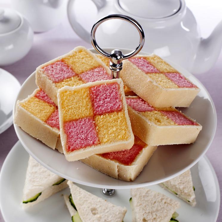 Pastel 'Battenberg': aprende a hacer el bizcocho que llenará de glamour tus meriendas