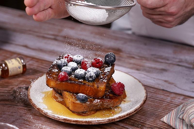 Descubre esta nueva receta de torrijas caseras al estilo french toast