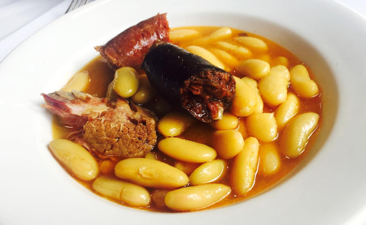 Cinco restaurantes para comer una rica fabada sin pisar Asturias
