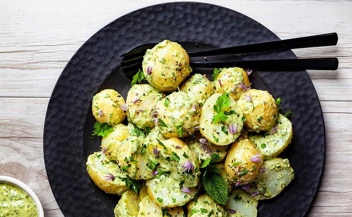 15 ensaladas de patata fáciles, ricas y saludables