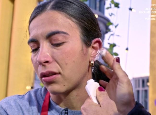 Meri se quema la oreja