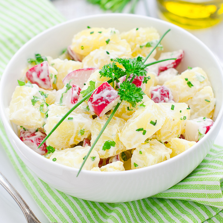 Ensalada de patatas al estilo alemán: si la pruebas, ¡querrás repetir!