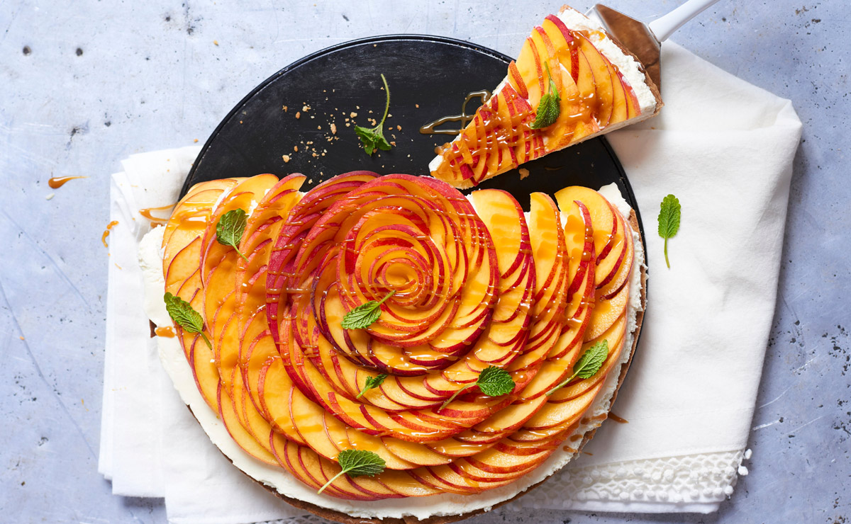 Tarta de melocotón y mascarpone (y otros postres 'top' con esta deliciosa fruta)