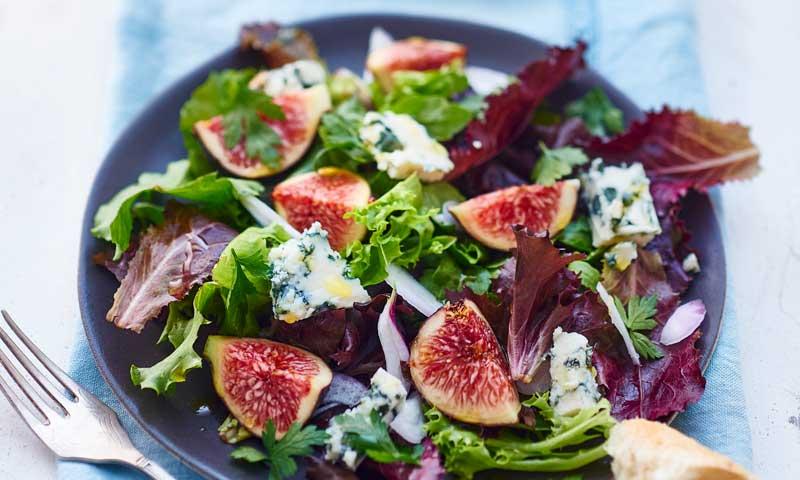 Cinco ensaladas de verano con ingredientes 'inesperados'