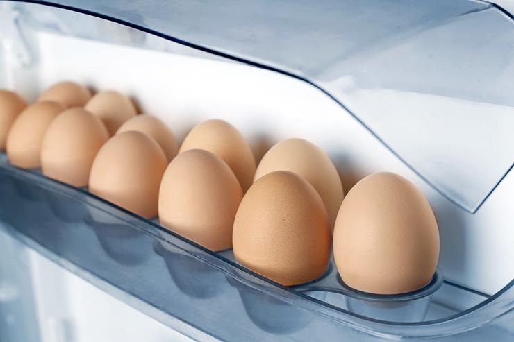 Huevos nevera