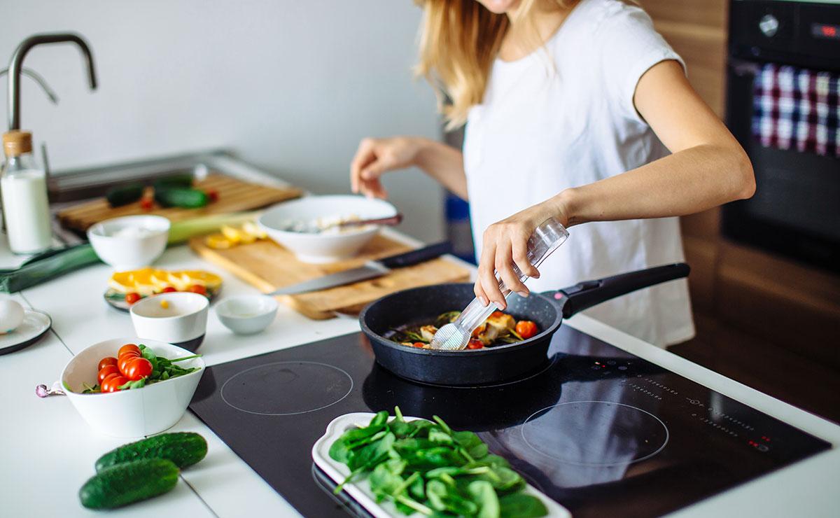 9 consejos de cocina para ahorrar en la factura de la luz
