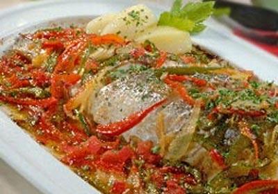 Cocina ligera: aprende a preparar una lubina con verduras, paso a paso