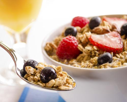 ¿Estás a dieta?, ¿eres sedentario?, ¿prácticas deporte a menudo?... ¡Así debe ser tu desayuno!