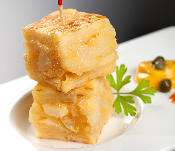 tapas y pinchos con tortilla de patatas